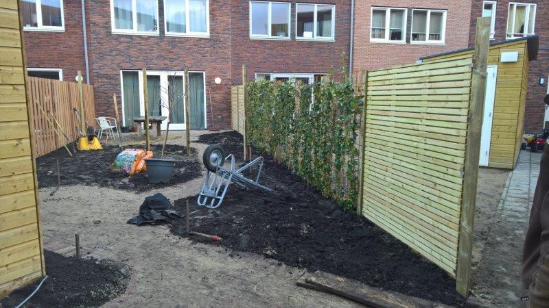 Achtertuin-in-nieuwbouwwijk-in-Amsterdam-6
