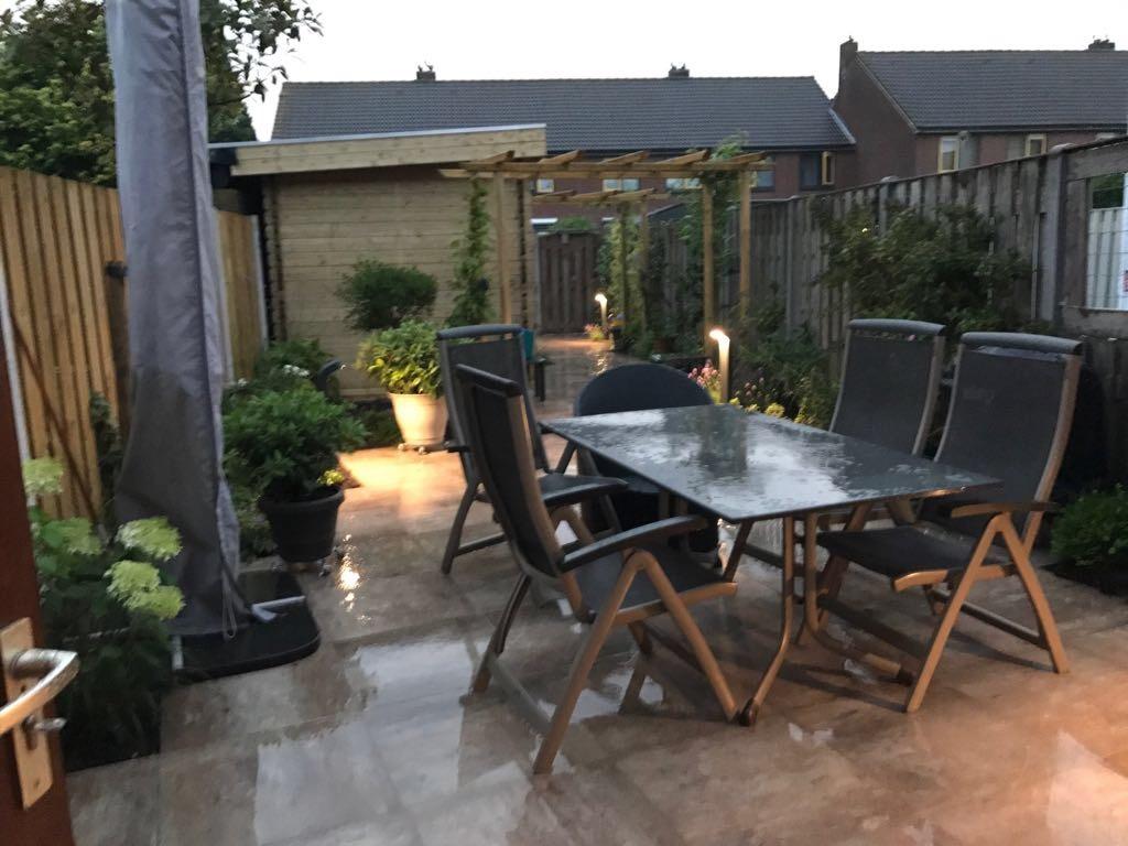 Achtertuin-met-tuinhuis-in-Oostzaan-11
