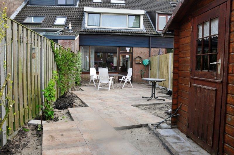 Achtertuin-met-tuinhuis-in-Oostzaan-4