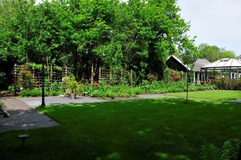Bijvriendelijke-tuin-in-Warder-13