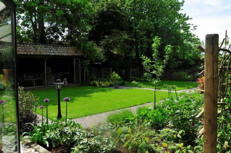 Bijvriendelijke-tuin-in-Warder-16