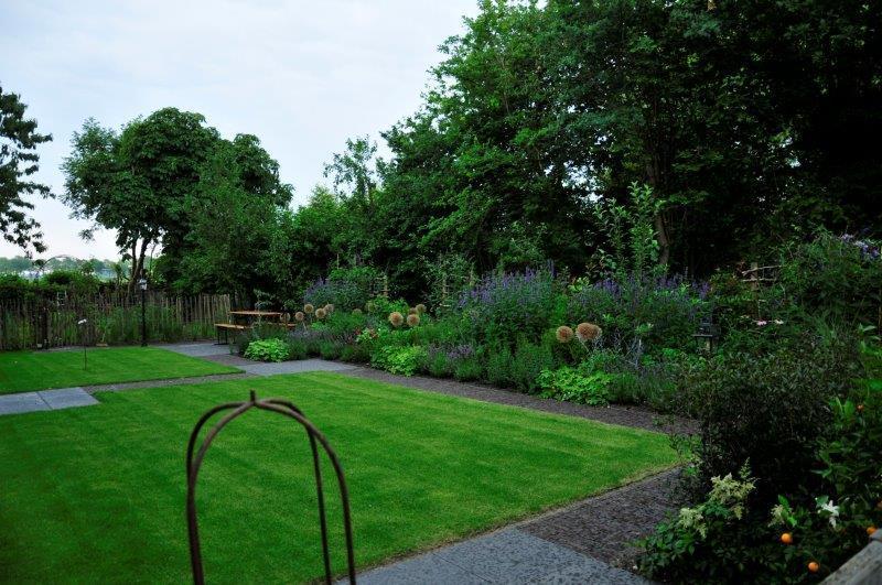 Bijvriendelijke-tuin-in-Warder-19