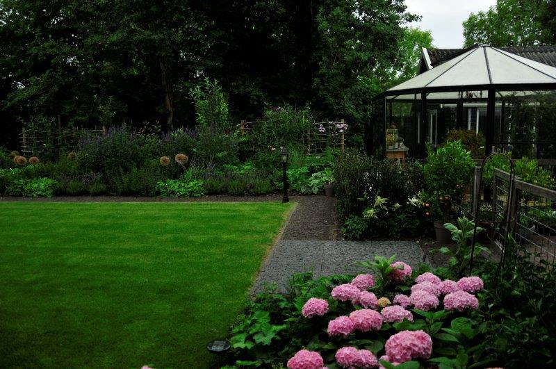 Bijvriendelijke-tuin-in-Warder-21