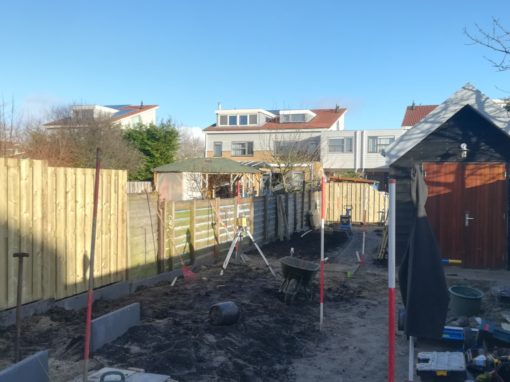 Lange smalle tuin in Wormer